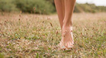 meditation-pieds-nus-marcher