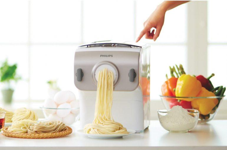 des p tes fra ches avec le philips pasta maker. Black Bedroom Furniture Sets. Home Design Ideas