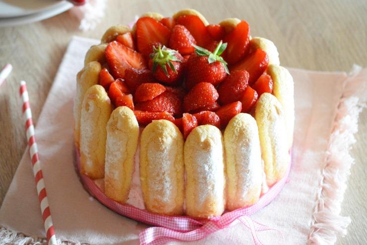 plats-deguster-printemps-charlotte-fraises-swg