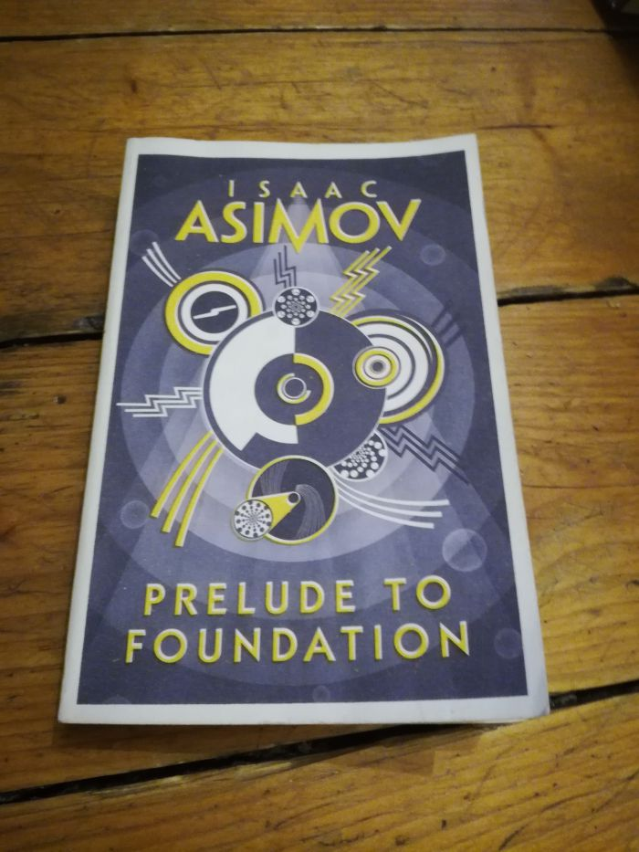 Isaac Asimov, prélude à fondation,, harper voyage books, illustration de couverture par Mike Topping