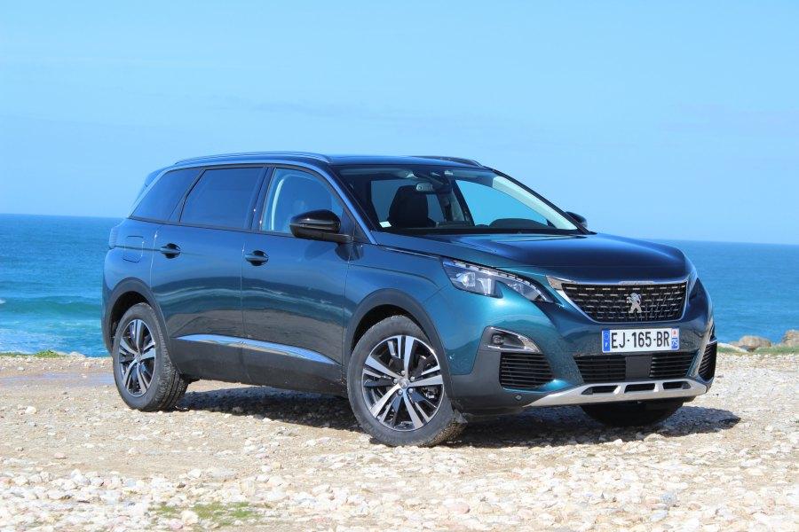 Voiture SUV Peugeot 5008