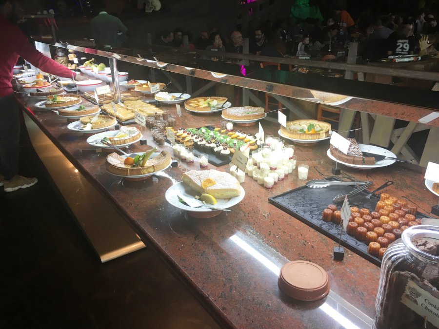 Buffet sucré au restaurant des pirates