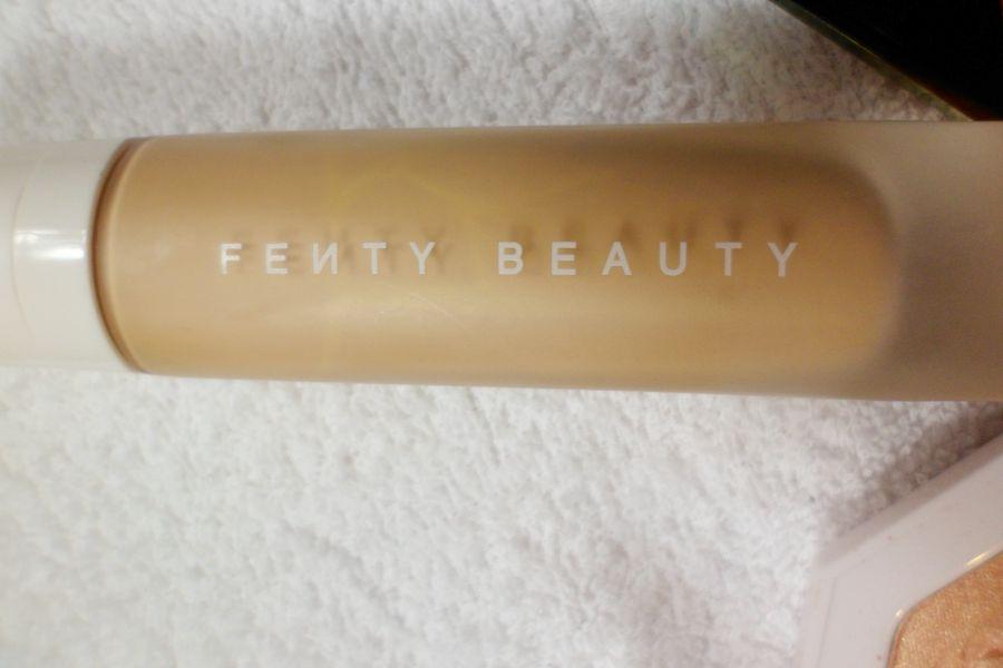 Fond de teint de la marque Fenty Beauty par Rihanna