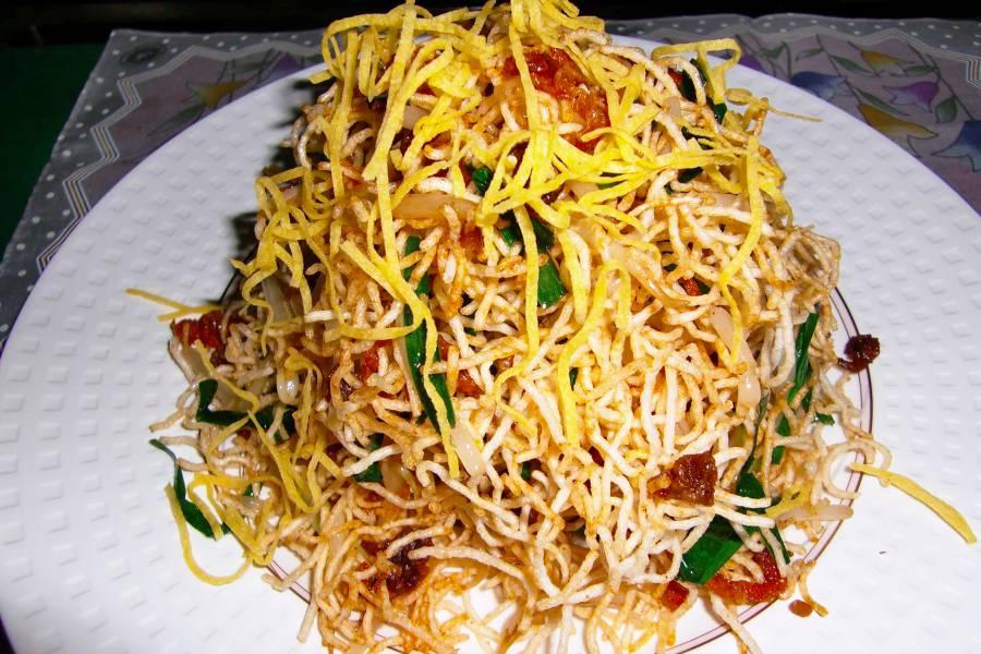 Mee Bomporng, plat cambodgien à déguster
