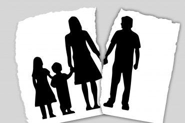 Image d'une famille qui se sépare