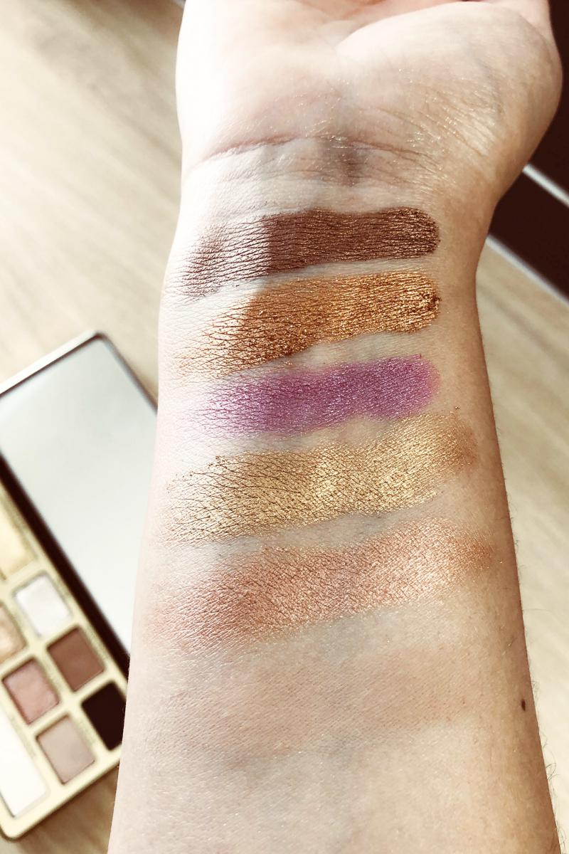 Swatchs de la palette Chocolate Gold de la marque Too Faced