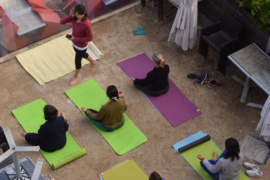 Cours de yoga de l'hôtel les charmettes à Saint Malo en Bretagne