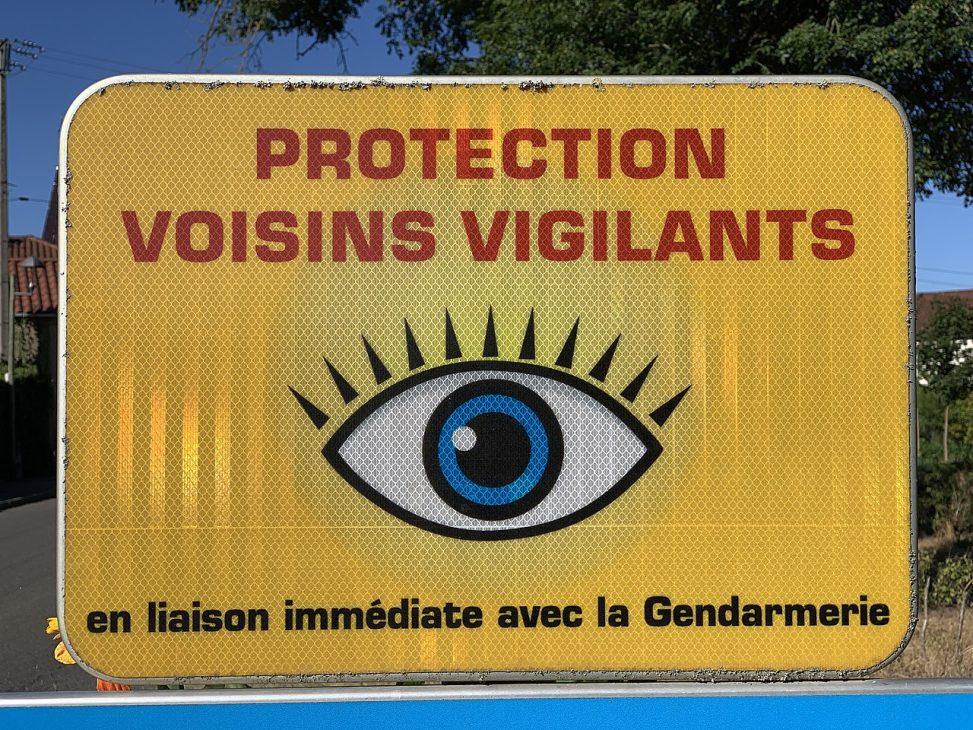 Affiche pour la protection des voisins vigilants